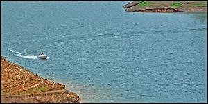 Foto (c) Raj (Mattupetty Dam - Speed boat ride), https://www.flickr.com/photos/prince_tigereye/4730954252